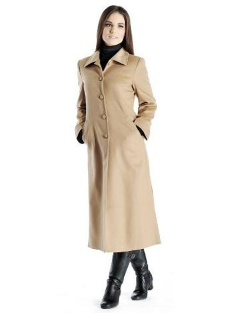 Women's outerwear from Sears can enhance any outfit with warm materials and stylish designs. Stay cozy in the fall with a wool pea coat or explore the snow with a long parka. Enjoy the fresh air while wrapped in a beautiful coat.